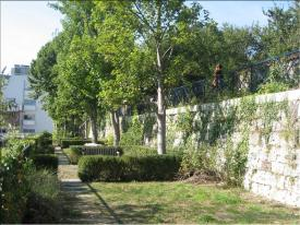 Lycée Jeanne d'Arc - Terrasses des remparts de la ville