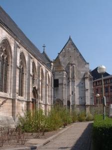 Eglise St-Vivien - cote place