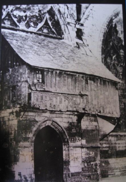 Eglise St-Vivien - Ancien Porche - Date à définir